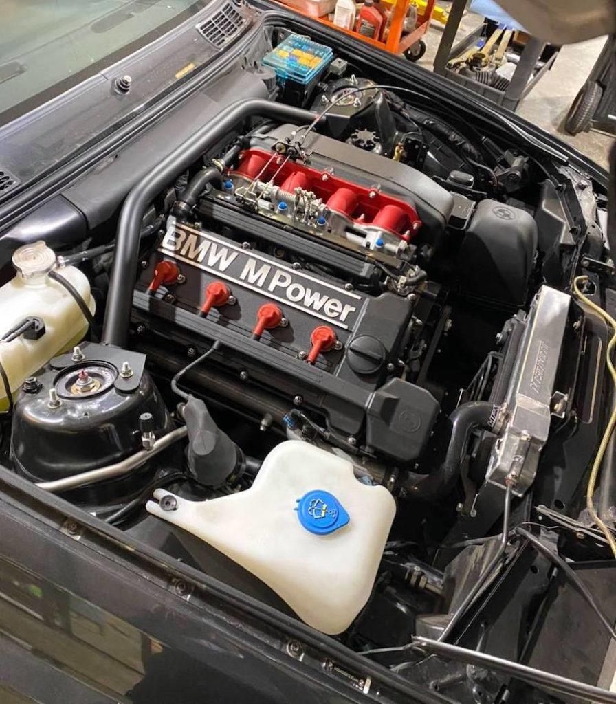 BMW maintenance service engine check